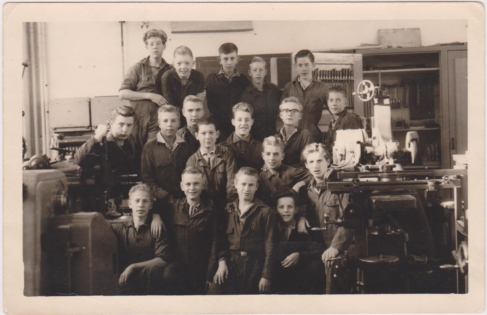 1e Technische School voor Delft en omstreken (voorheen/zie ook ambachtschool) foto