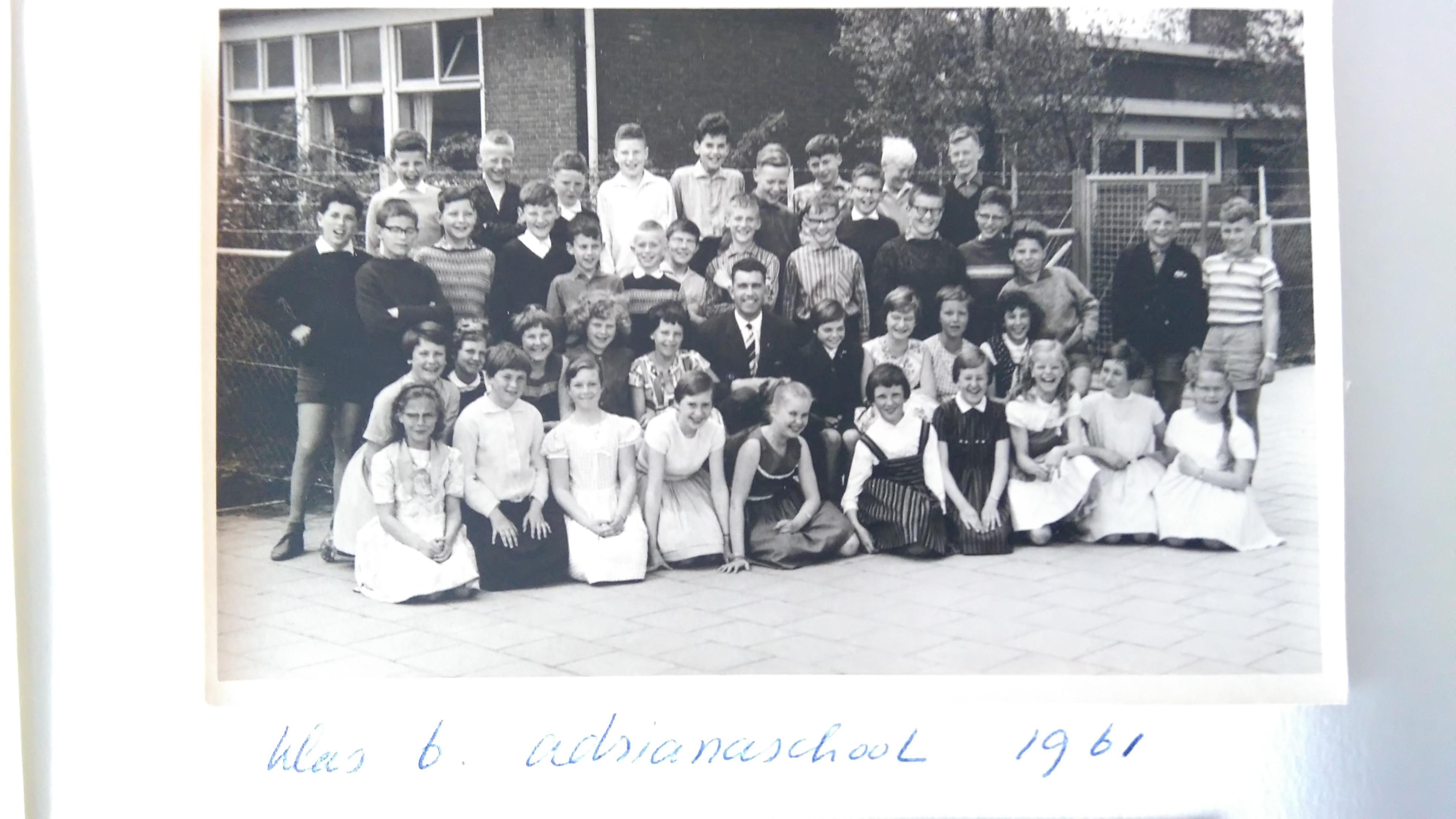 adrianaschool foto