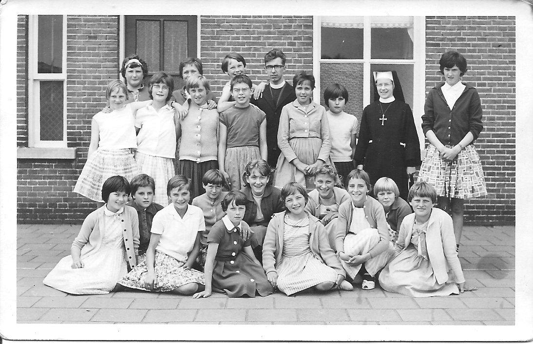 De Achthoek (zie ook St. Canisiusschool en R.K. Meisjesschool St.Joseph) foto