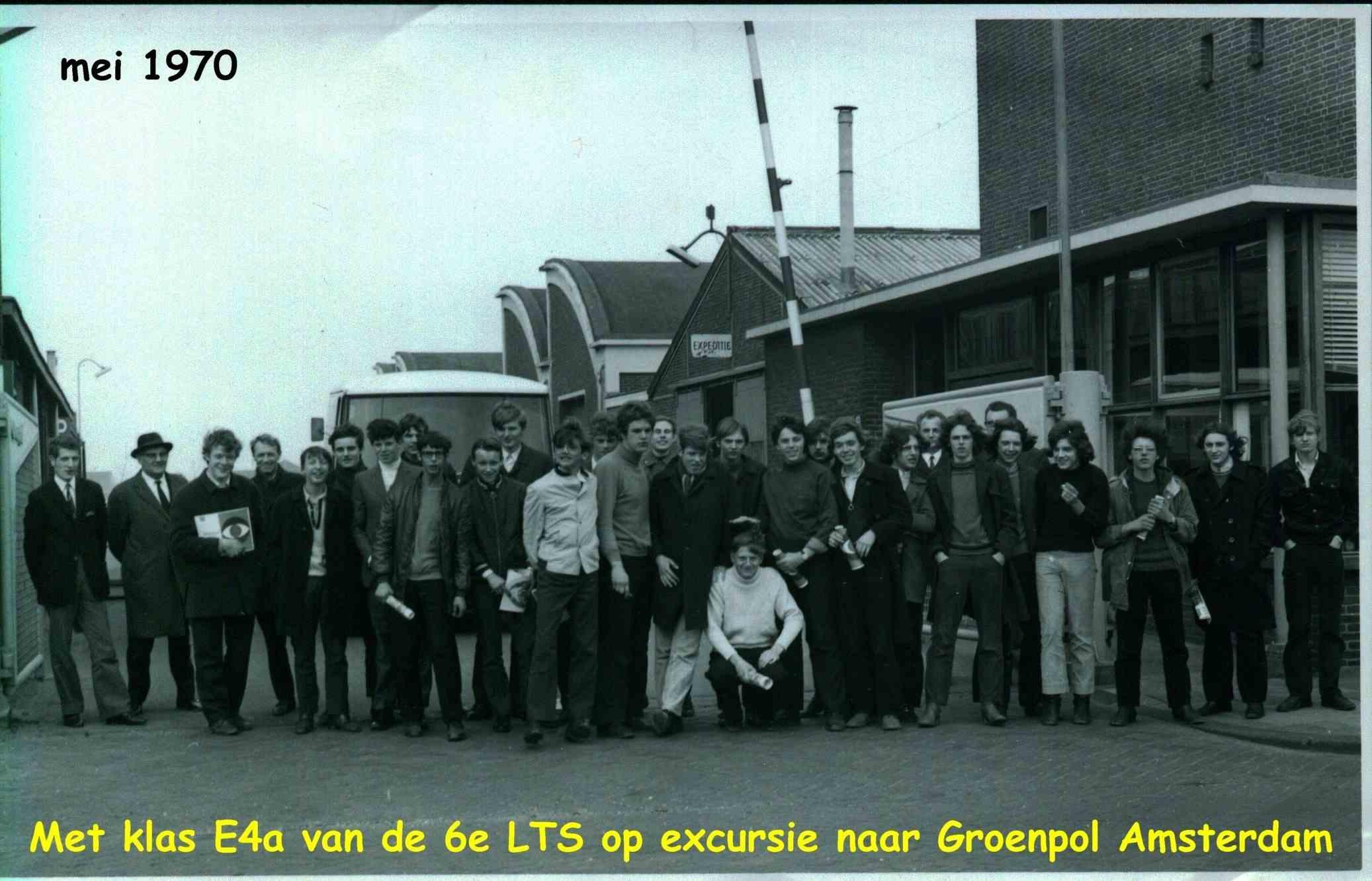 6e Technische school foto
