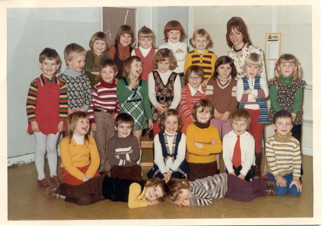 R.K. kleuterschool/nonnen foto