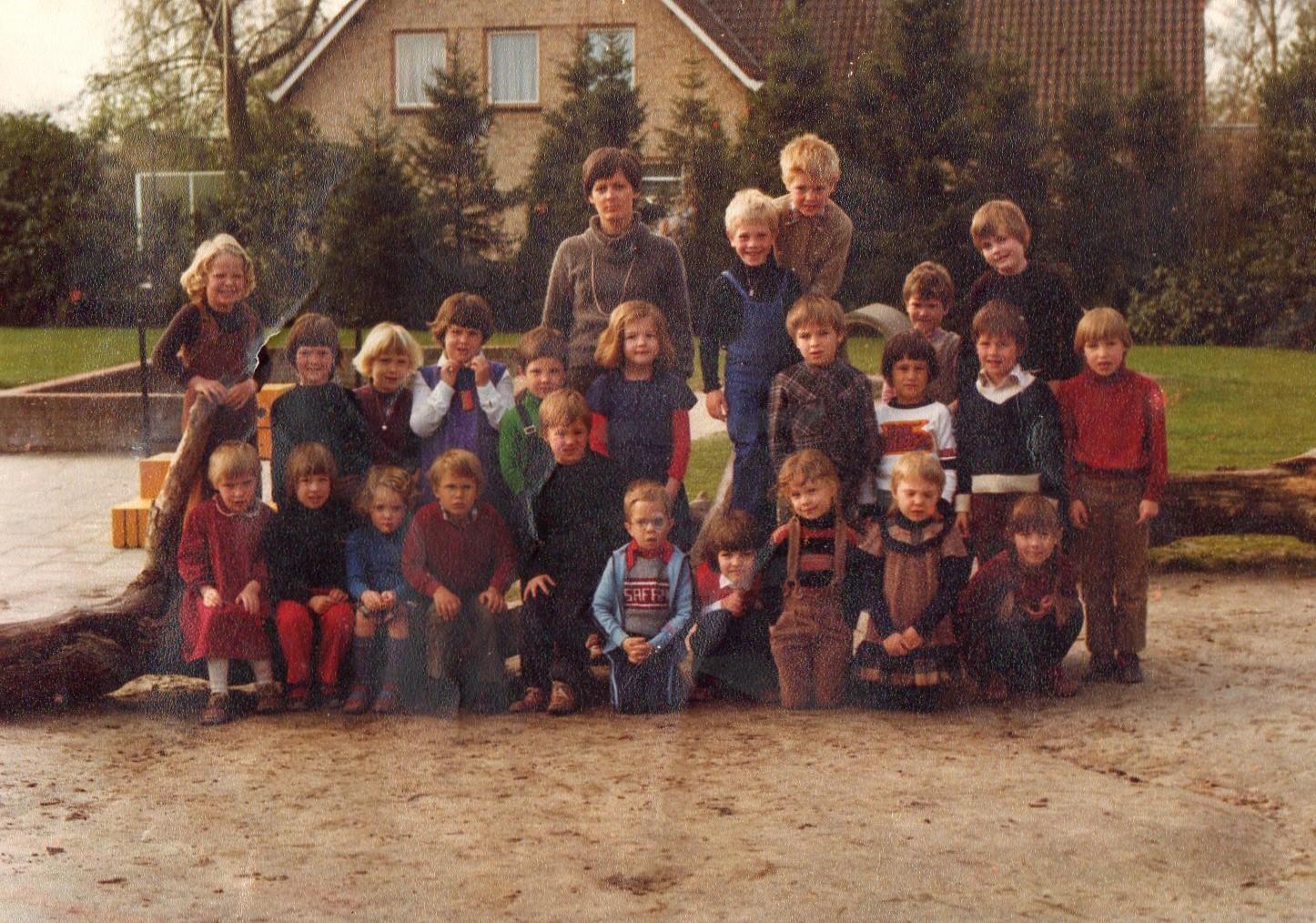 St Adrianus (zie ook meisjesschool Hilvarenbeek) foto