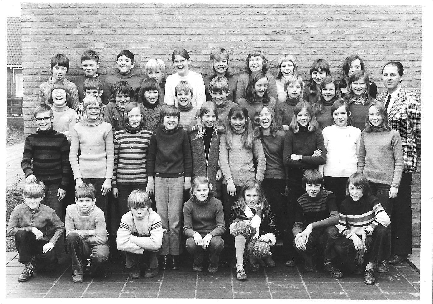 Openbare School Loenen dorp foto