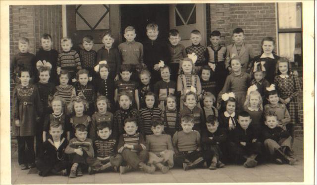 School Met De Bijbel Koningin Beatrix foto